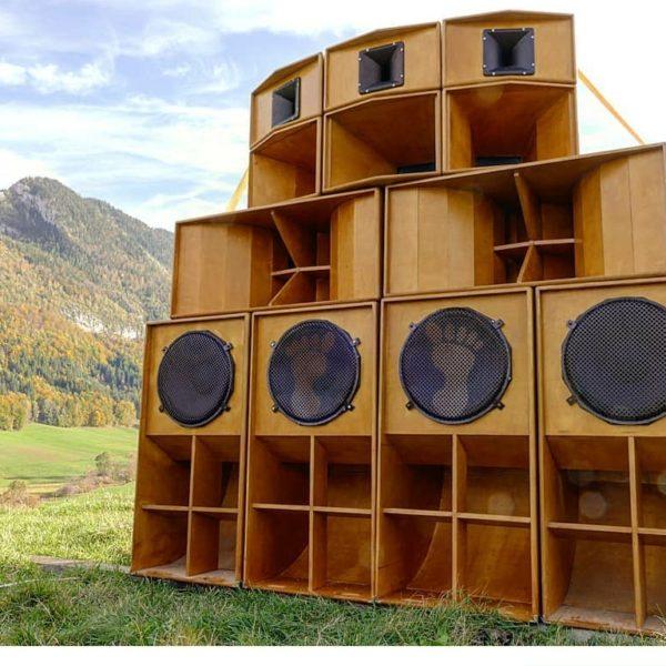 BROWNFEET SOUND SYSTEM